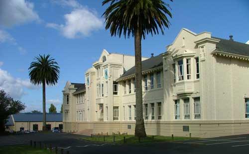 09-front-of-school